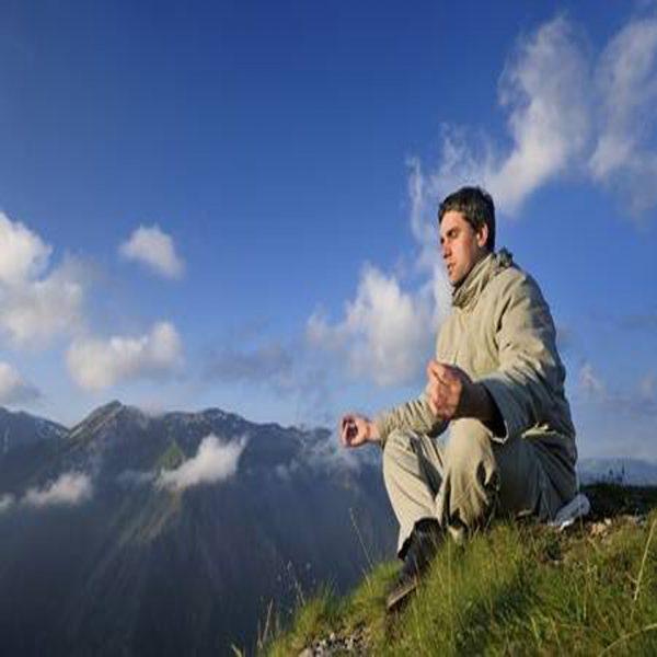 tipo meditando